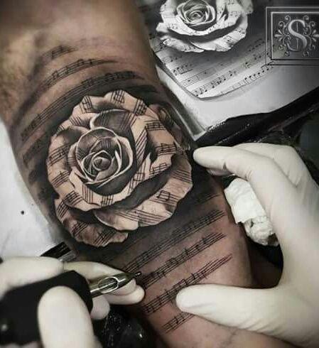 Music And Rose Tattoos Tatuaż Tatuaże I Pomysły Na Tatuaż