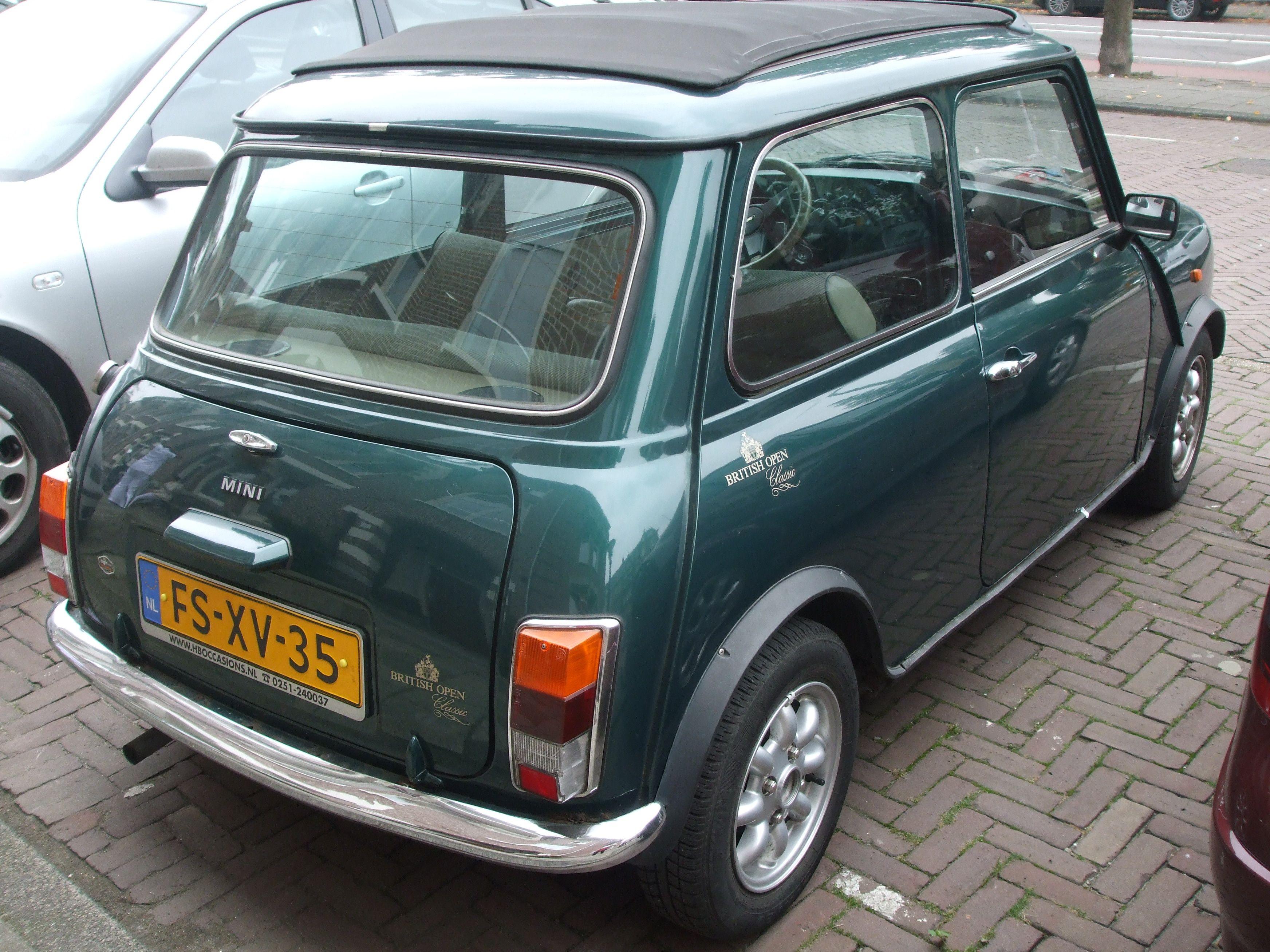 Mini Cooper Green Mini Cars Mini Cooper Classic Mini