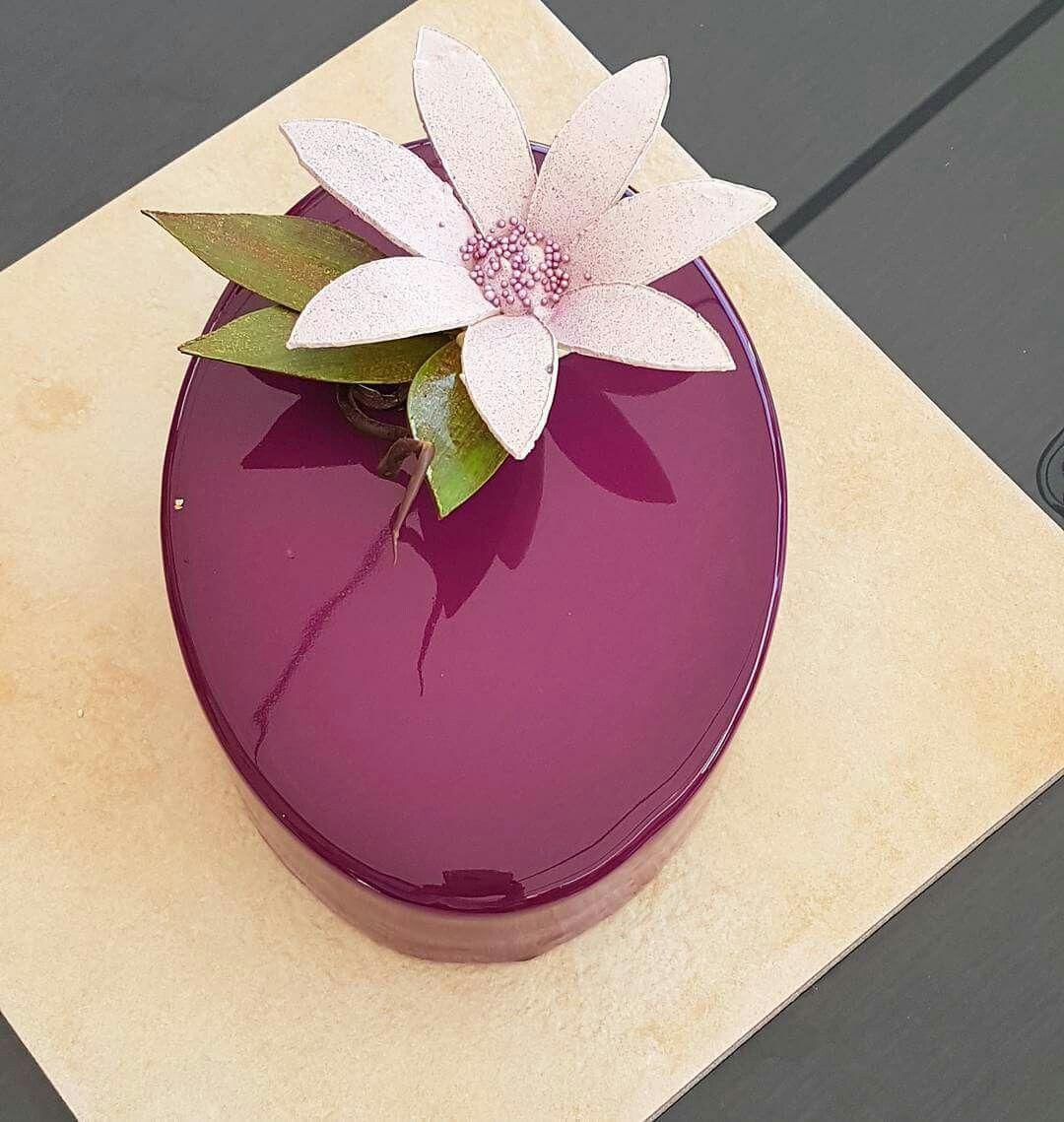 Pin by dixie joyner on mirror glaze cakes pinterest - Cocinas bonitas ...
