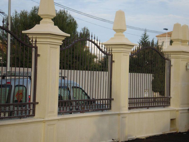 Disenos de cercas diseno fabricacion rejas cercas vallas - Cercas de hierro ...
