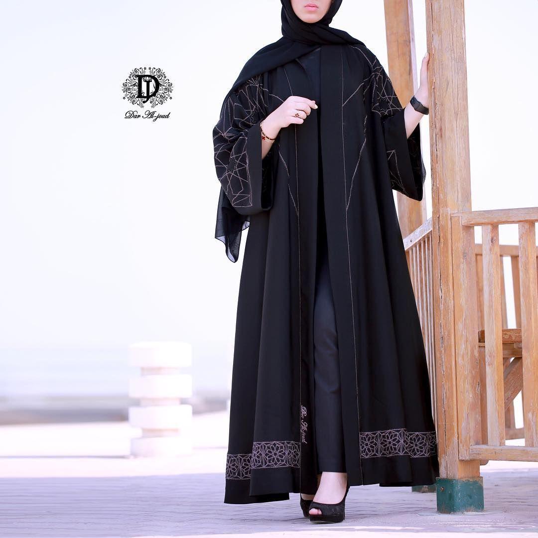 Image May Contain One Or More People And People Standing Abaya Fashion Modern Hijab Fashion Abaya Dress