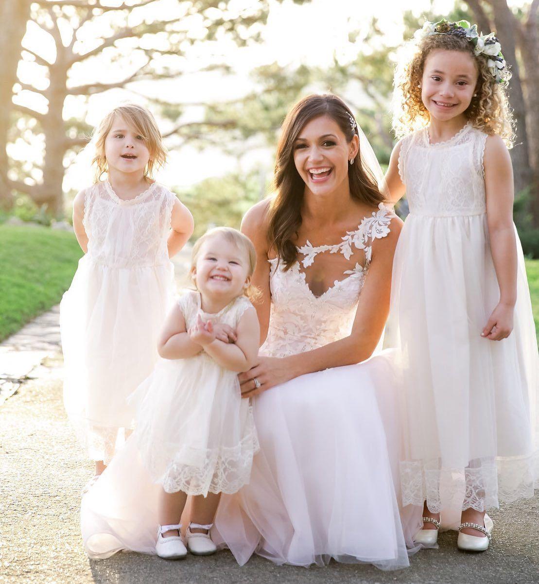 Desiree Chris Siegfried Wedding Bachelor Weddings In 2020 Flower Girl Dresses Tulle Flower Girl Desiree Hartsock
