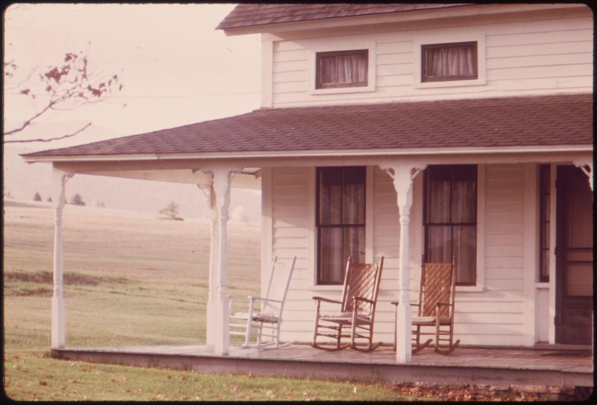 An Old Farmhouse Porch Porches Pinterest Porches