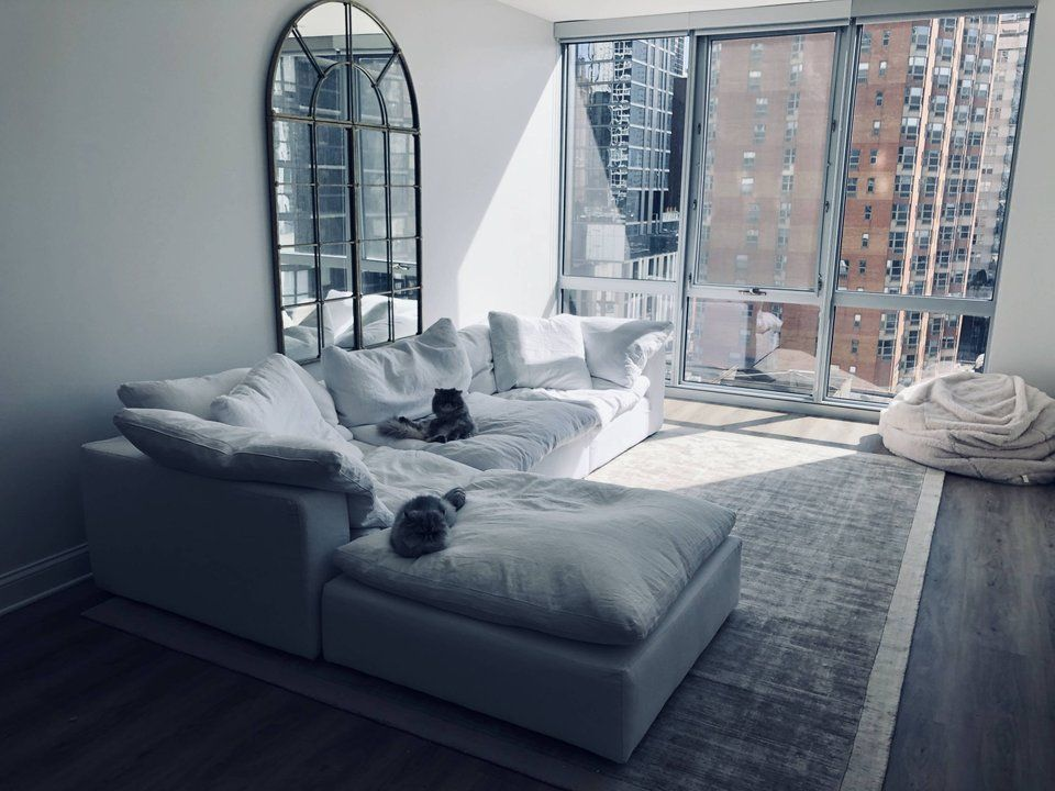 All White Living Room In Chicago Gold Coast Amateurroomporn City Apartment Decor Living Room Decor Apartment Restoration Hardware Living Room