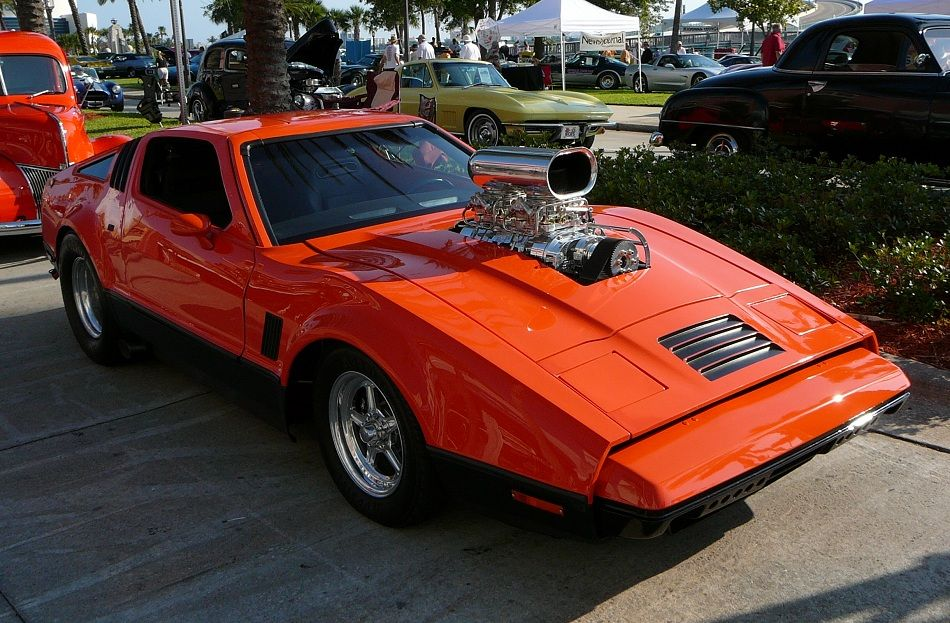 Greatlooking Bricklin SV1. Unclear what the blower does