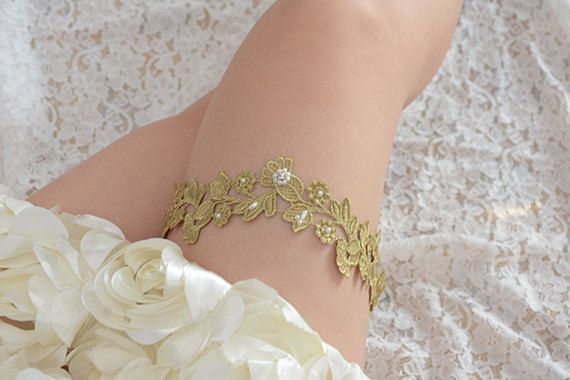 golden garter,wedding garter,bridal garter,bride garter,beaded garter,rhinestone…