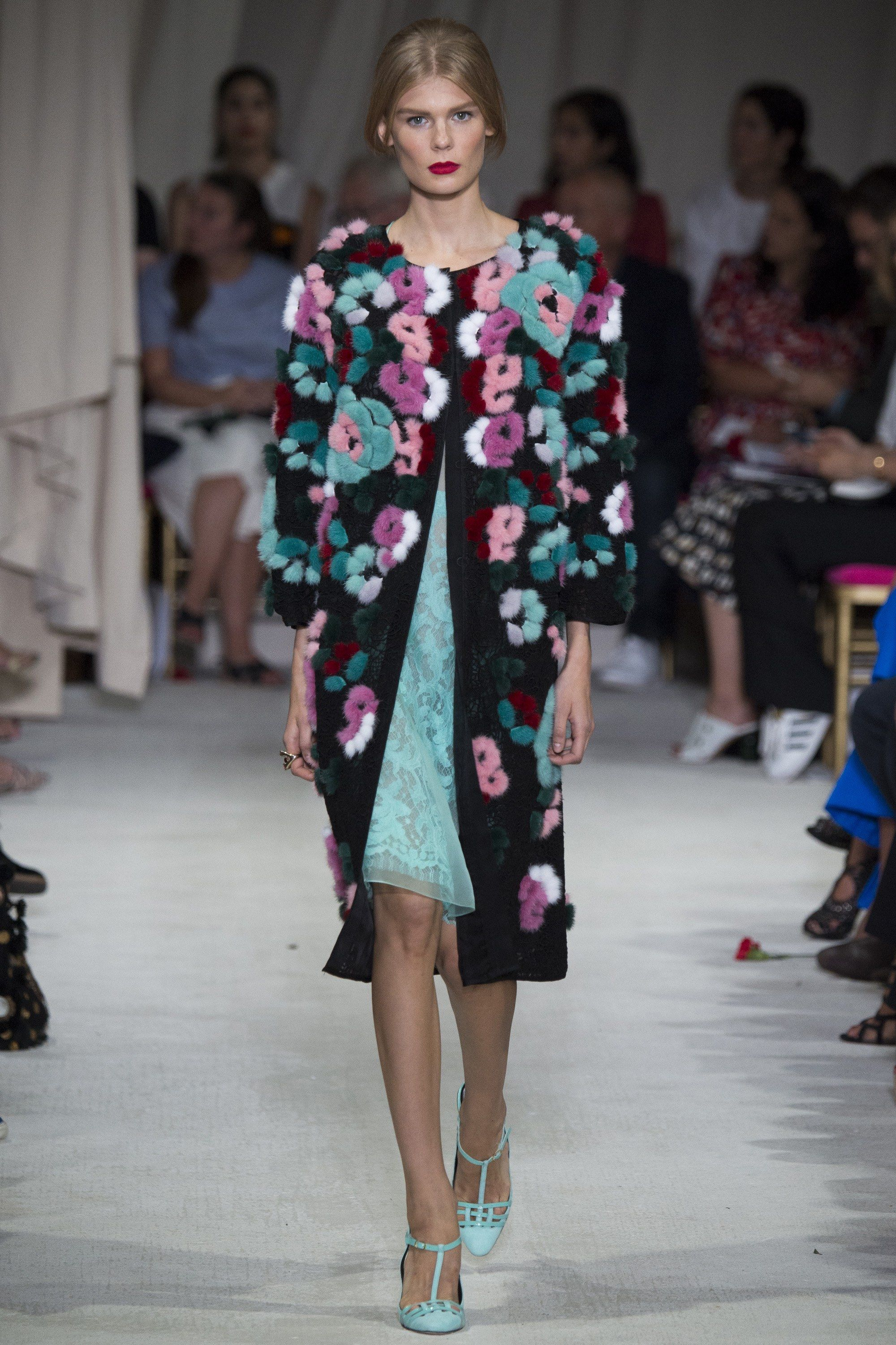 Oscar de la Renta Spring 2016 Ready-to-Wear Fashion Show - Alexandra Elizabeth
