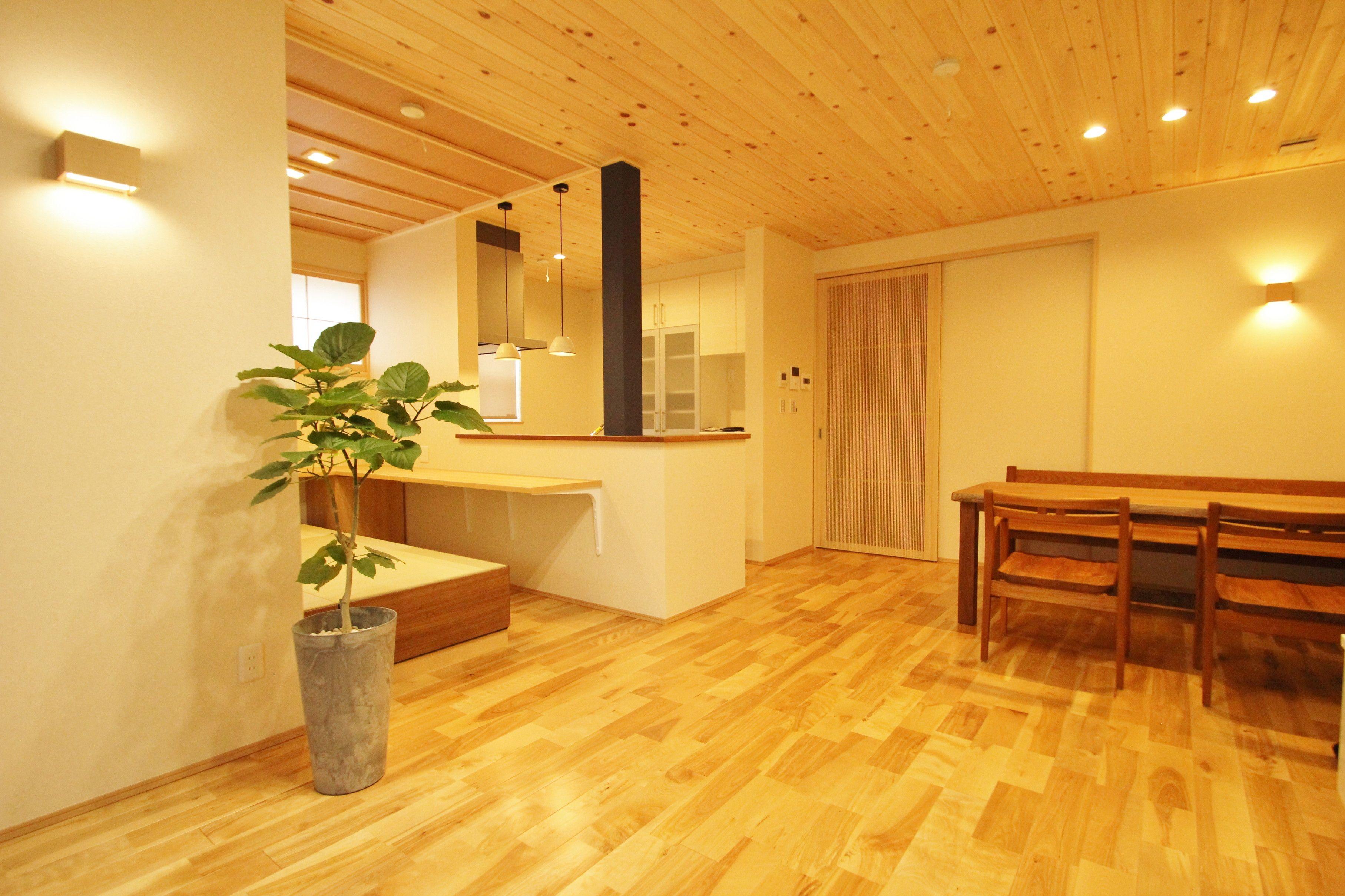 2階のリビングは自然素材をたっぷりと使用しました 木曾ひのきの