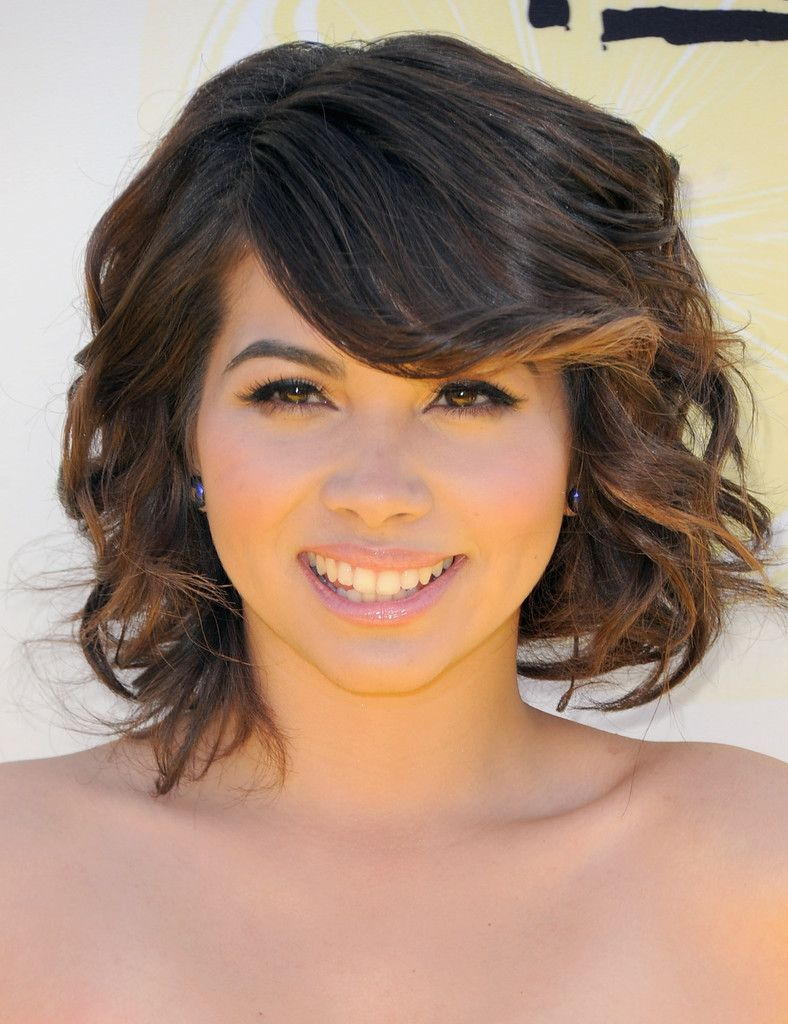Hayley kiyoko medium wavy cut with bangs hair and beauty