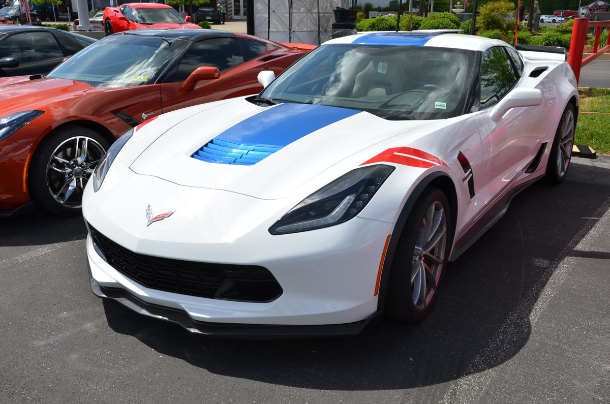 2017 White Corvette >> Pin On 2017 Corvette Grand Sport Arctic White