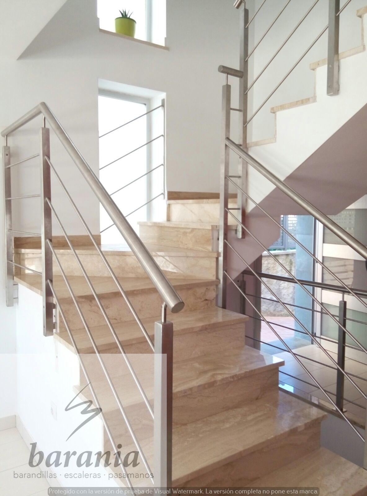 Barandilla de acero inoxidable con varillas horizontales - Barandillas para escaleras interiores modernas ...
