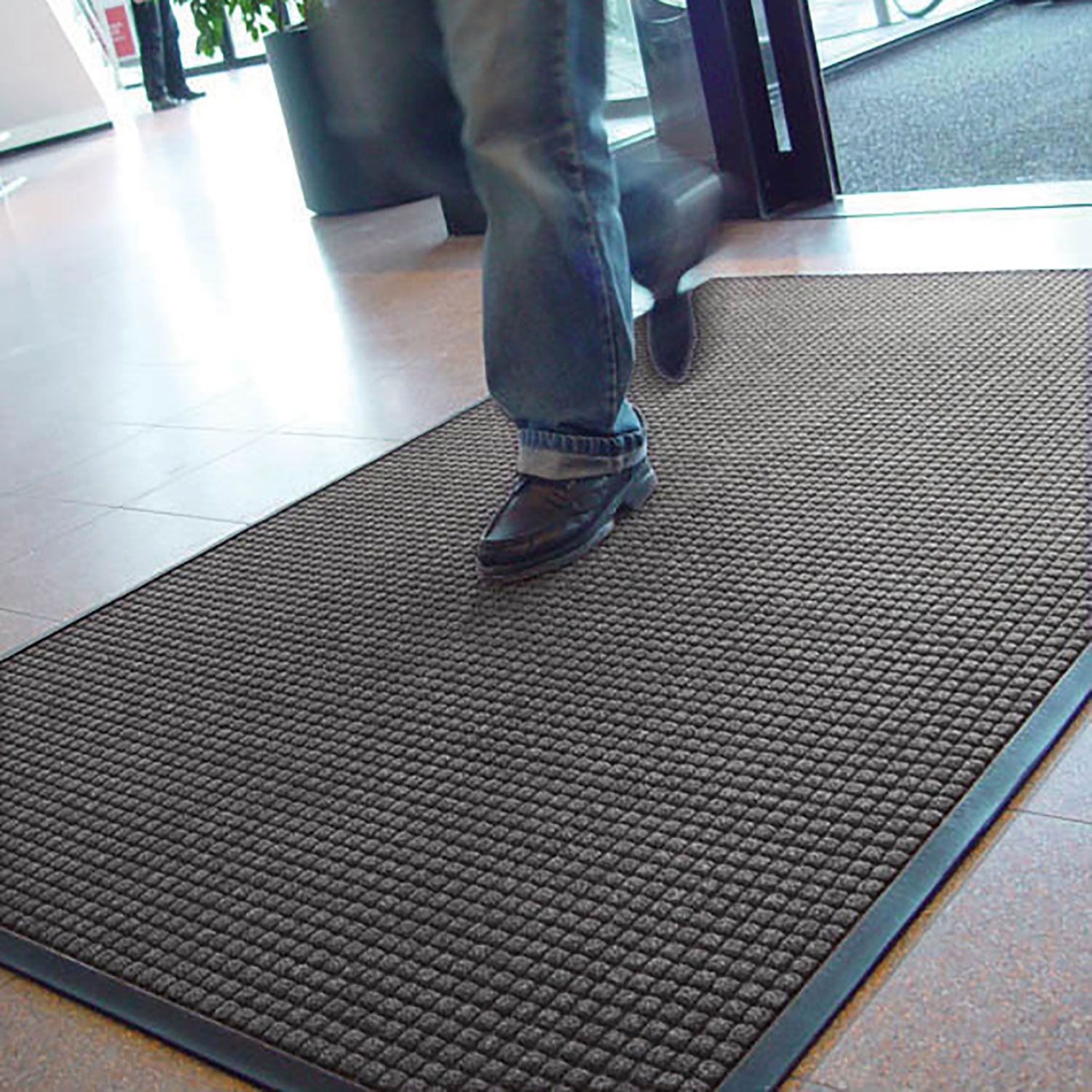 Guzzler Is Intended For Use In Medium To Heavy Traffic Areas The Raised Crushproof Waffle Design Of Guz Rubber Flooring Kitchen Mats Floor Plastic Floor Mat