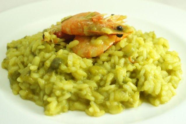 Risotto asparagi gamberi e zafferano un primo piatto di stagione ricetta nel 2019 riso e - Cucina fanpage ricette ...