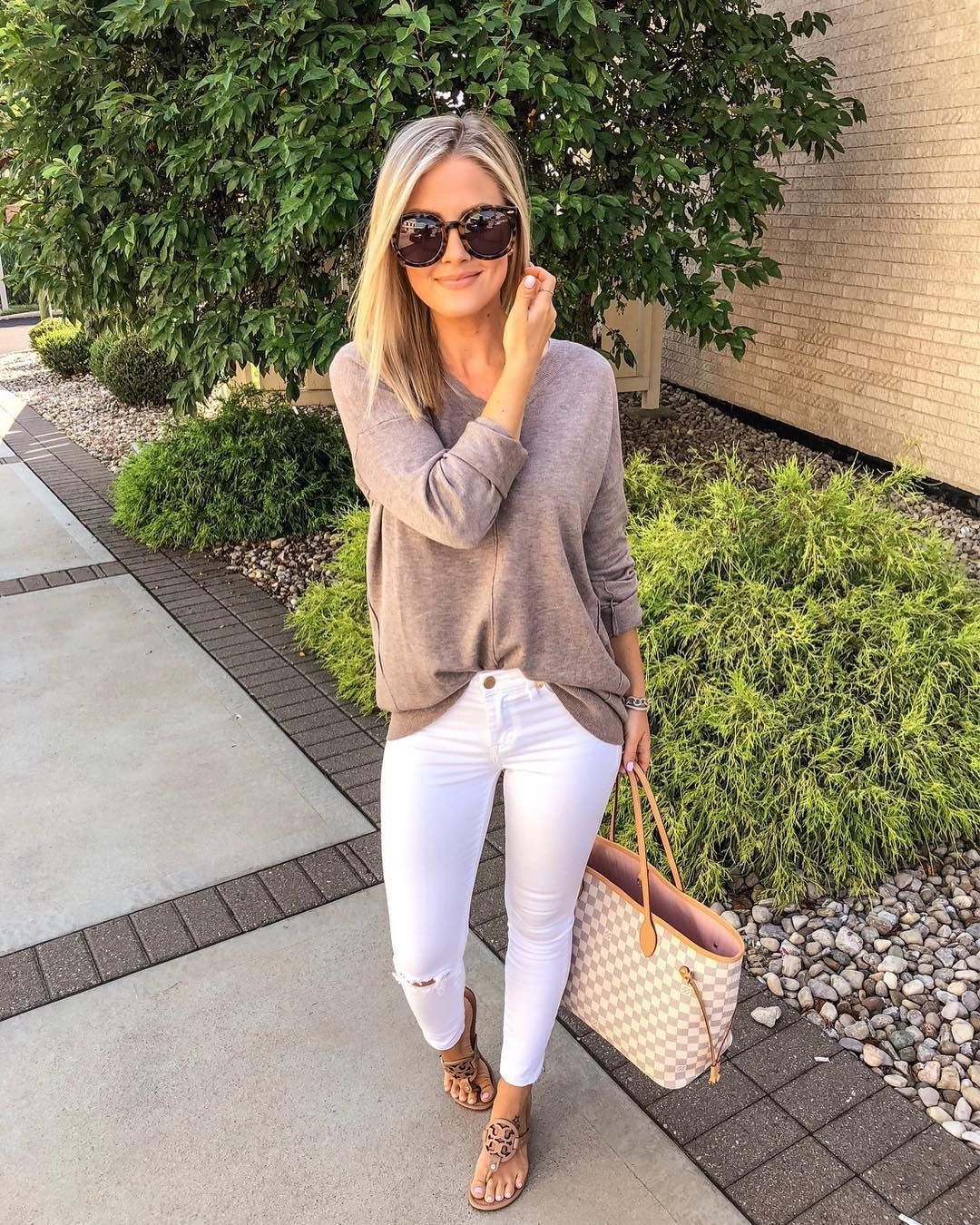 63684187ed23 My idea of the perfect date night look - jeans