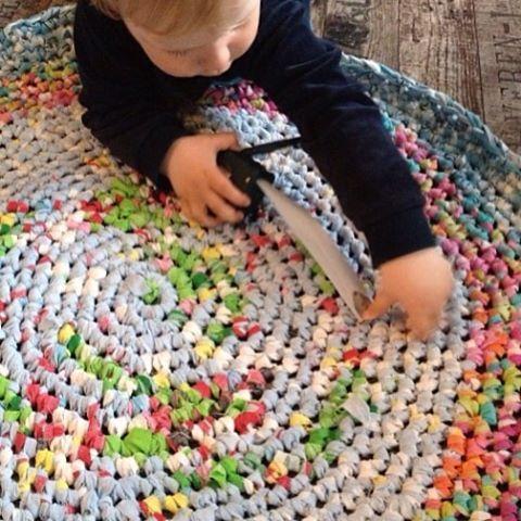 #multicoloured #crochet #rug #ragrug #alfombra #ganchillo #trapillo #multicolor