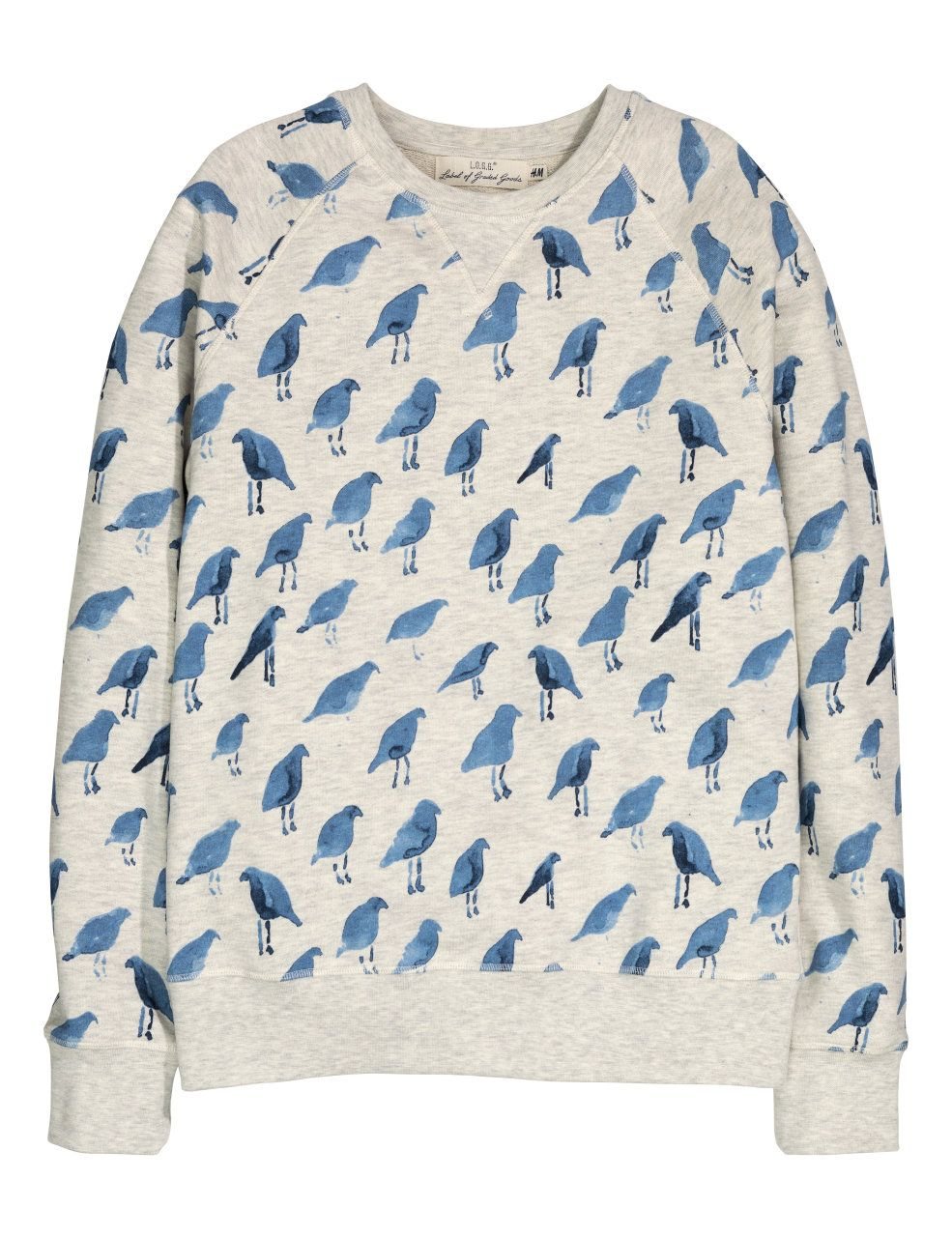 Check this out! Trøje i sweatshirtkvalitet med trykt mønster. Den har lange raglanærmer og ribkant nederst på ærmerne og forneden. – Gå ind på hm.com for at se mere.