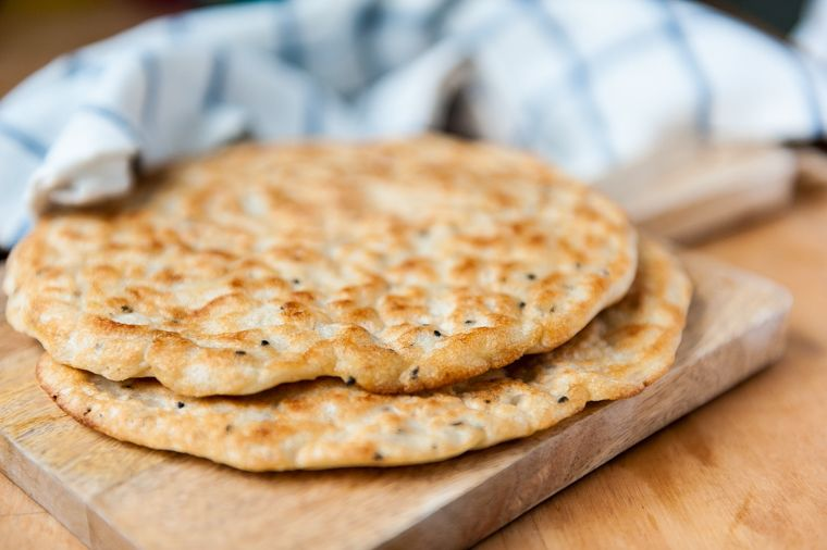 Easy skillet glutenfree flatbread no bake no knead no