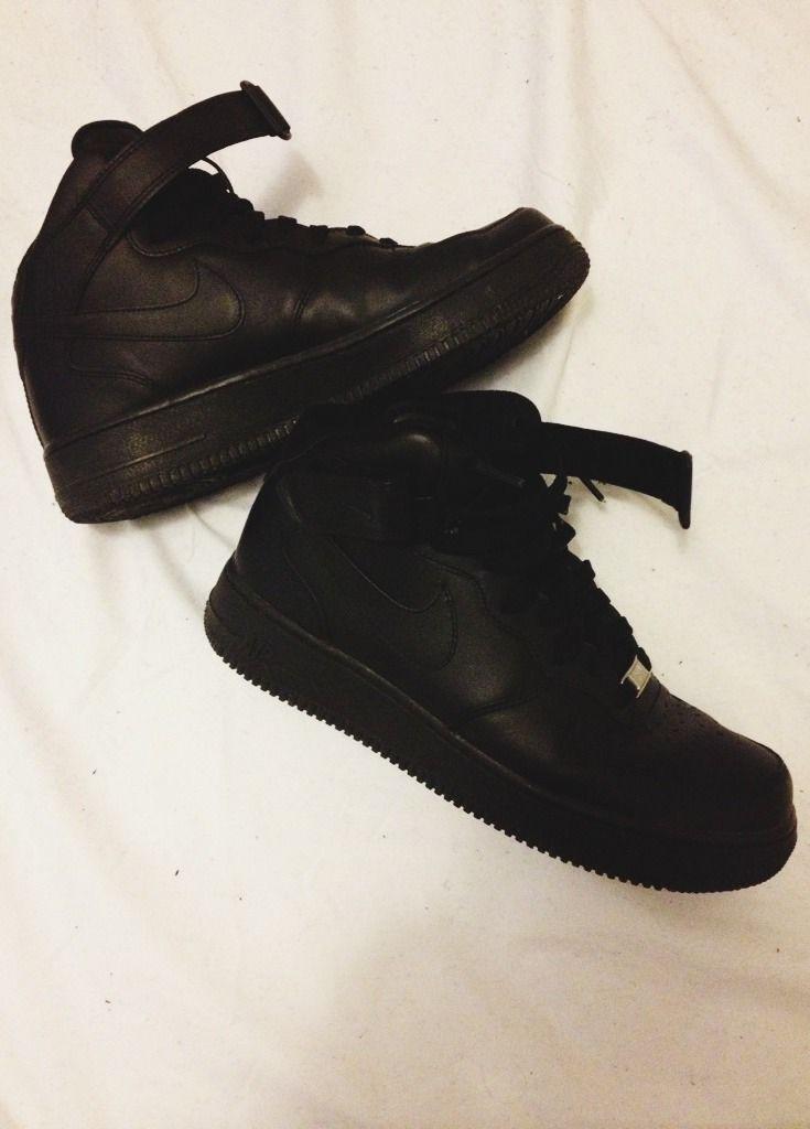 plain black nikes