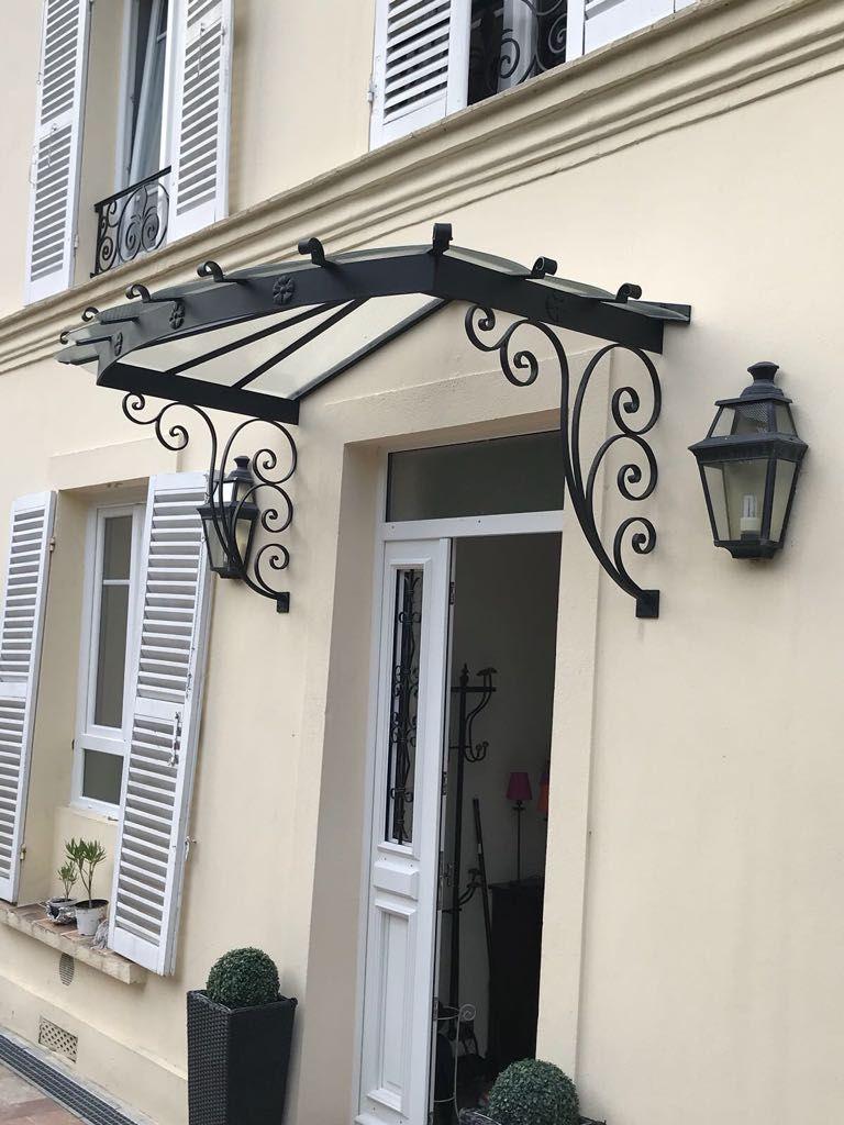 Marquise Et Garde Corps De Fenetre Entree De Maison Exterieur Entree Maison Facade Maison