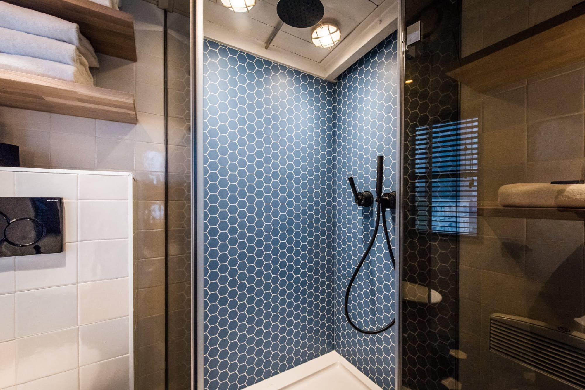Old Harbor Crane Turned Into Luxury Apartment For Four Apartment Bathroom Apartment Luxury Apartments