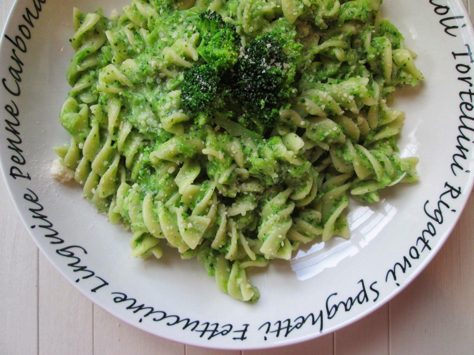 Pesto di broccoli Bimby, un alto gustoso pesto da fare in poco tempo con il Bimby :) Ingredienti: 200 gr di broccoli, 40 gr di olio evo...