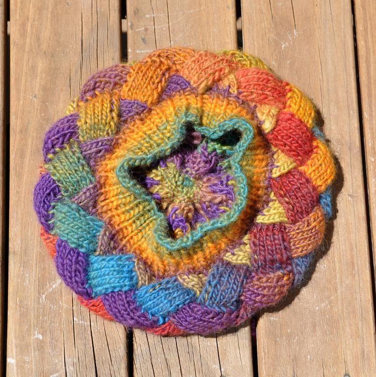 Knitting: Bonnet Entrelac Tutorial in FRENCH   gorros   Pinterest ...