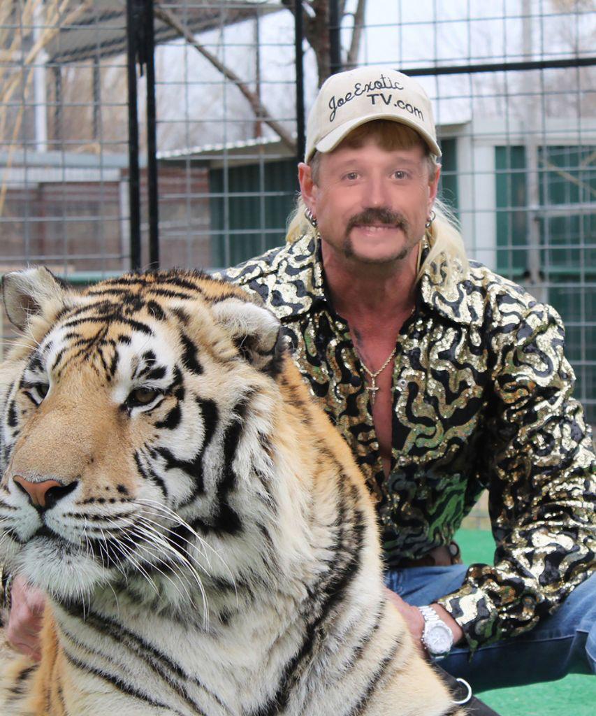 I Review Tiger King! in 2020 Tiger, King meme, Netflix