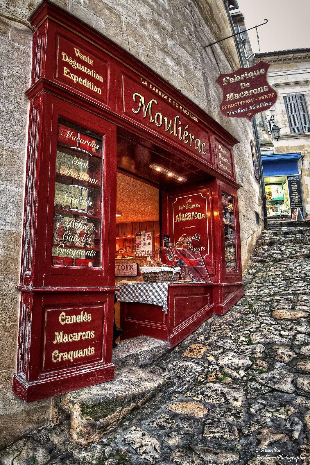 La Fabrique De Macarons Matthieu Moulierac Saint Emilion Shop Fronts Store Fronts Shop Facade