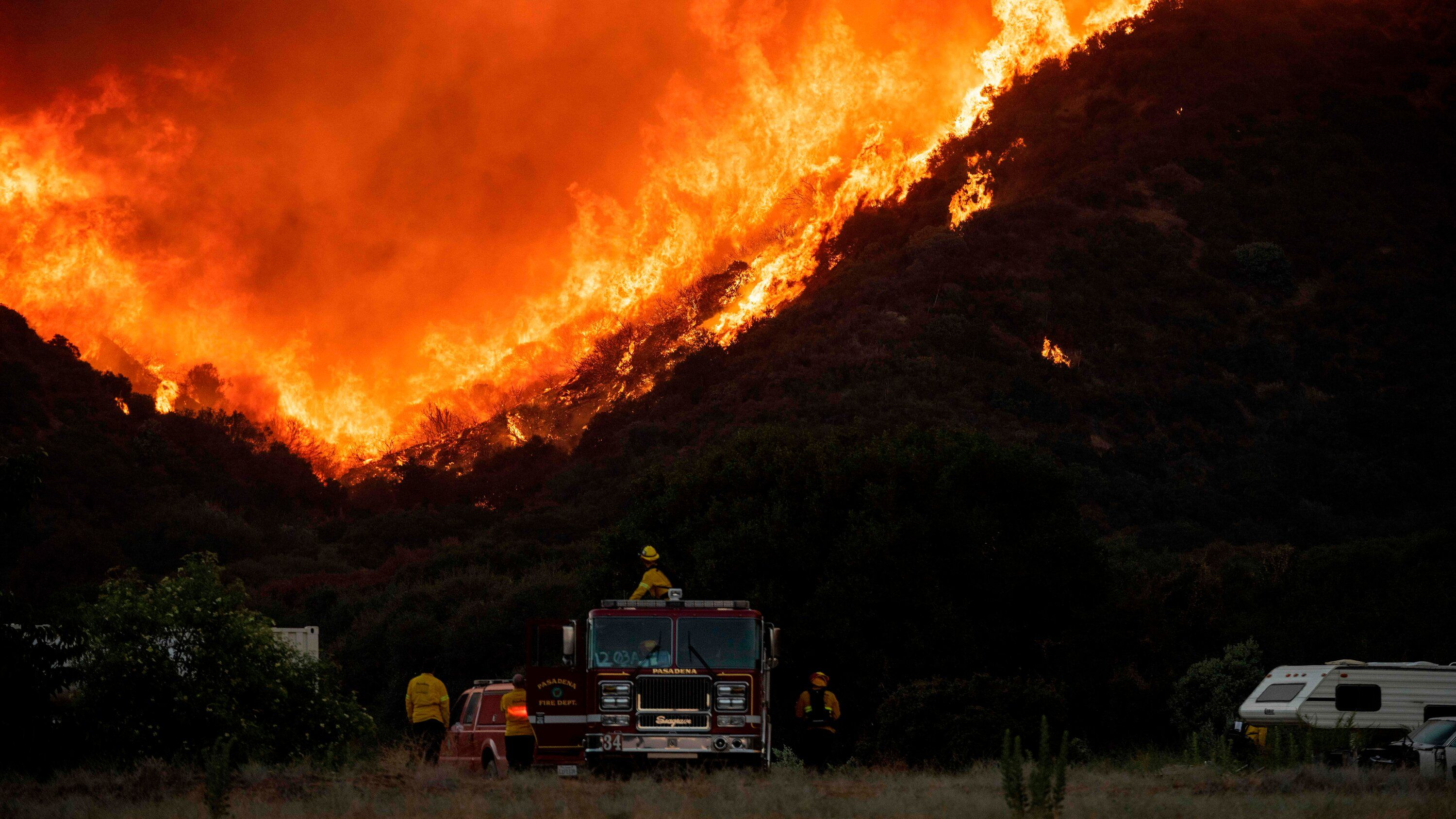 Apple Fire Leads To Evacuation Order For 7000 In California The Wildfire Near The San Bernardino N In 2020 San Bernardino National Forest Fire San Luis Obispo County
