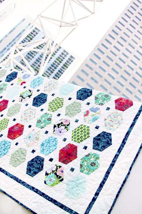 Modernology Quiltology Free Quilt Pattern | Baby quilts | Pinterest ...