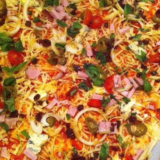 #ShareIG Snart pizza.... #lørdagspizza #kosekveld #nrkfan