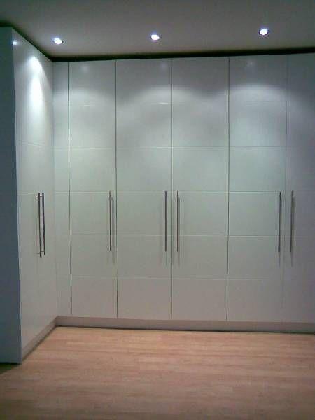 Frente armario puerta abatible lacado blanco elegidos for Armarios puertas abatibles