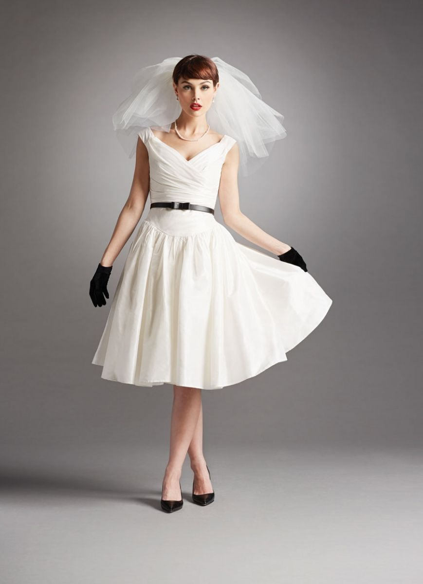 Top 24 Wedding Dress Styles for Petite Bride-to-be | Vintage ...