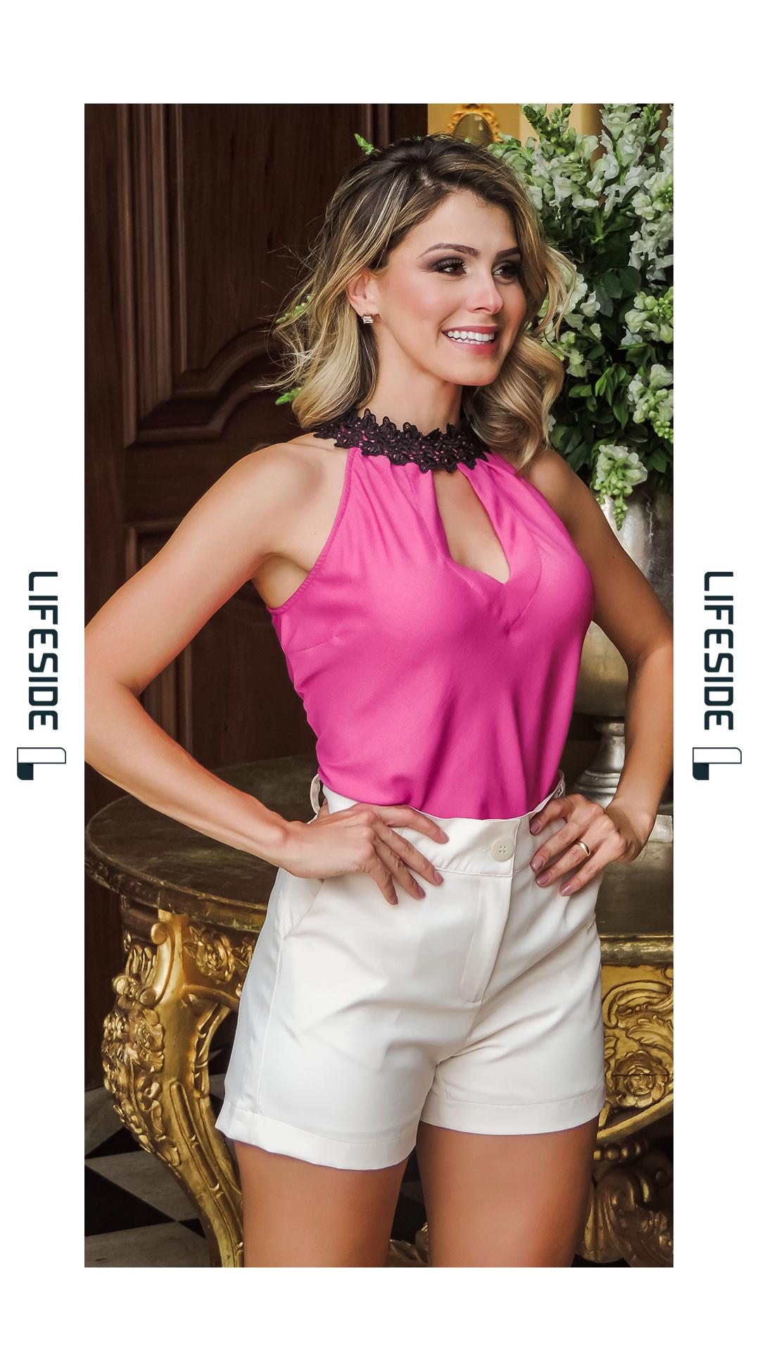 76c08b8e3 LIFESIDE, Moda Feminina Primavera Verão 2019. Blusa rosa com preto. Gola em  guipir