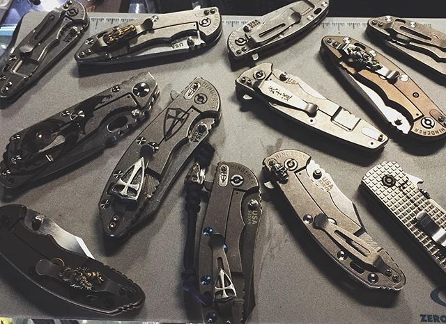 Meeting Time  #hinderer #hindererknives #xm18 #xm24 #strider #striderknives #emerson #emersonknives #steelflame #steelflamejewelry #crusader #dragon #knives #knifecollector #knifeedc