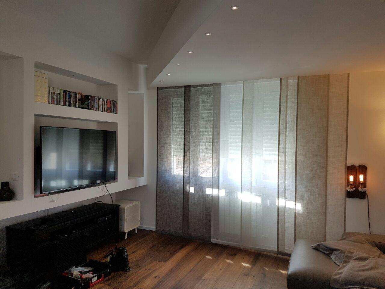 Tende a pannelli per salotto tende da interni - Pannelli oscuranti per finestre ...