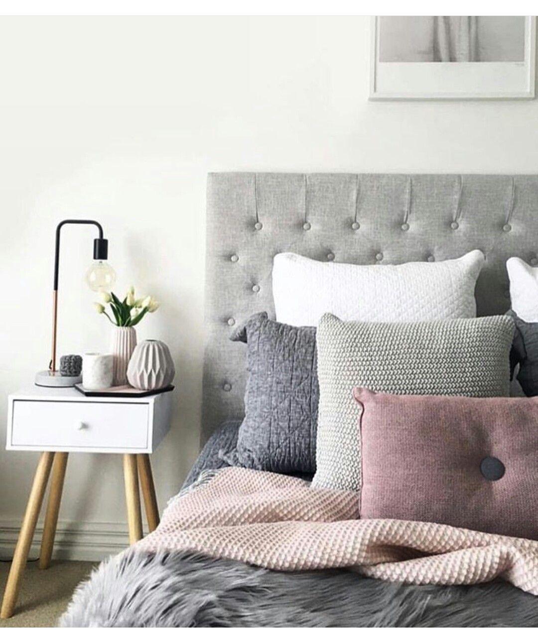 Bedroom Furniture Vanity Bedroom Colour Images Bedroom Decor Pink And Black Bedroom Color Ideas Neutral: Quarto Com Cabeceira Capitone Cinza.
