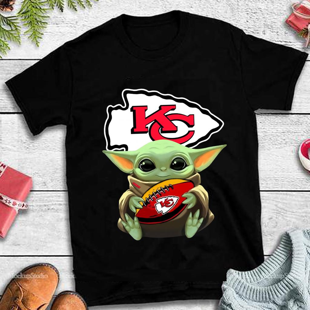 Baby Yoda Hug Kansas City Chiefs PNG Design, Star Wars ...