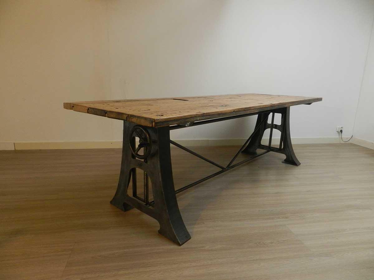 In hoogte verstelbare tafel onderstel parksidetraceapartments