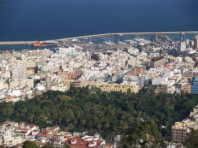 Santa Cruz de Tenerife, desde el Mirador de Los Campitos by asotavento.com, via Flickr