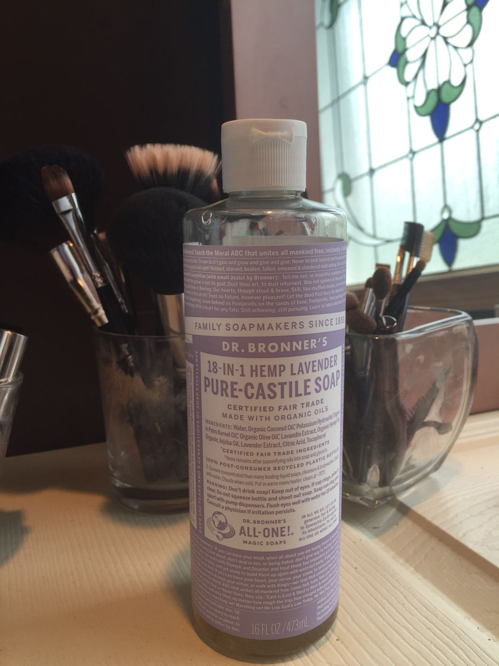 The best stuff for cleaning makeup brushes and beauty