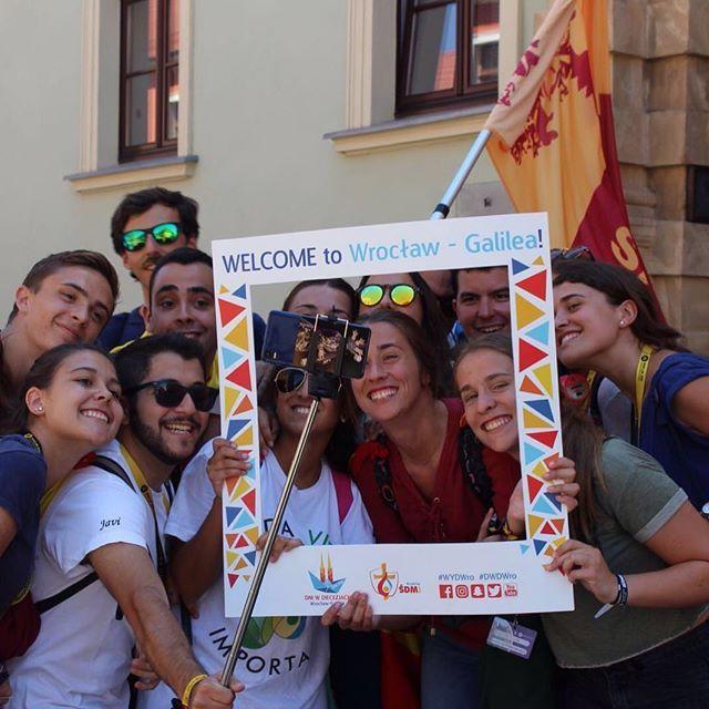 Las caras lo dicen todo... #krakow2016 #sarusianosporelmundo #jmj #wroslaw #banderajartible @delejusevilla @archisevilla