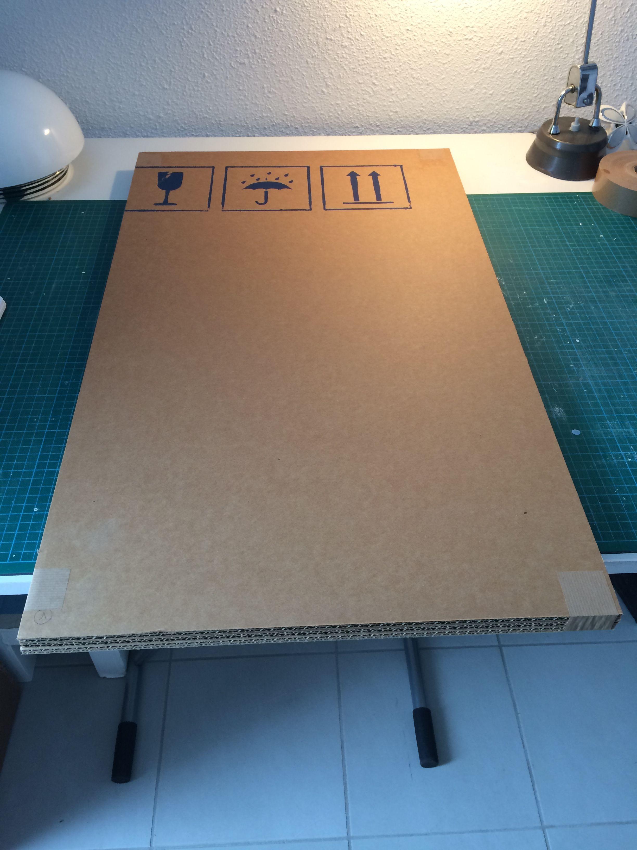 Equerrer Une Plaque De Carton Maison De Poupee En Carton Recycler Carton Design En Carton