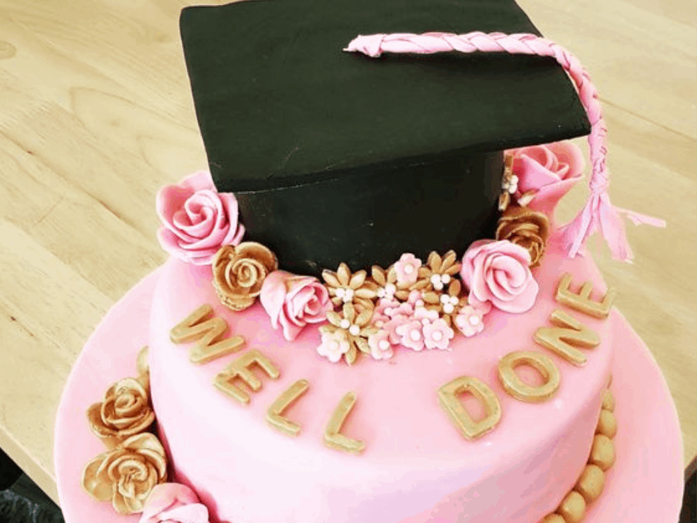 10 Graduation Cakes Everyone At Your Party Will Love Society19 Graduation Cakes Cake Create A Cake