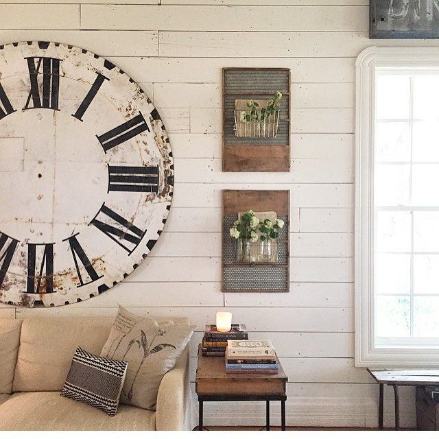 Swooning Over Joanna Gains Living Room I Need That Clock In My Life Joannagaines Joannagains Farmhouse Homedecor Vintage