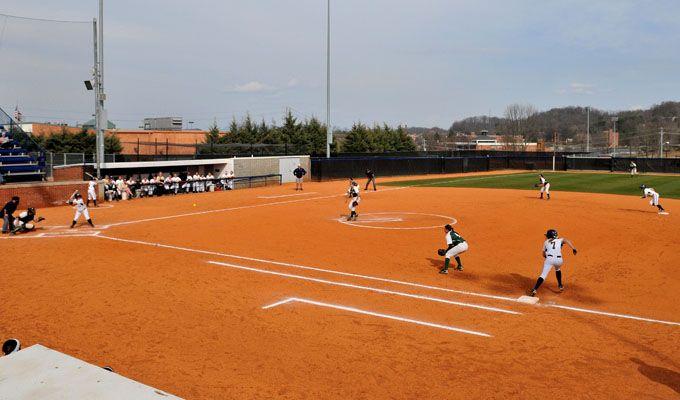 Softball Hopes To Build On Sweep At Stetson Softball Sweep Stetson