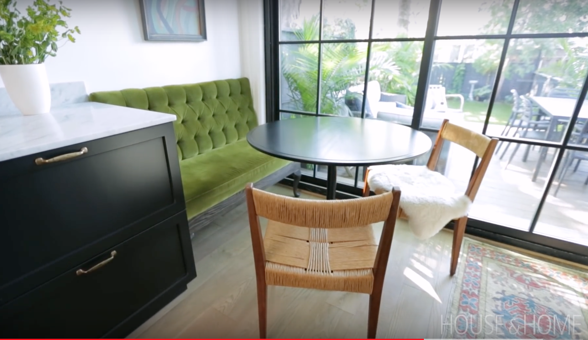 Joel Bray Victorian Row House From House And Home Uploaded To Youtube Mar 2018 Note Banquette With Queen Ann Legs Home House Simple Furniture
