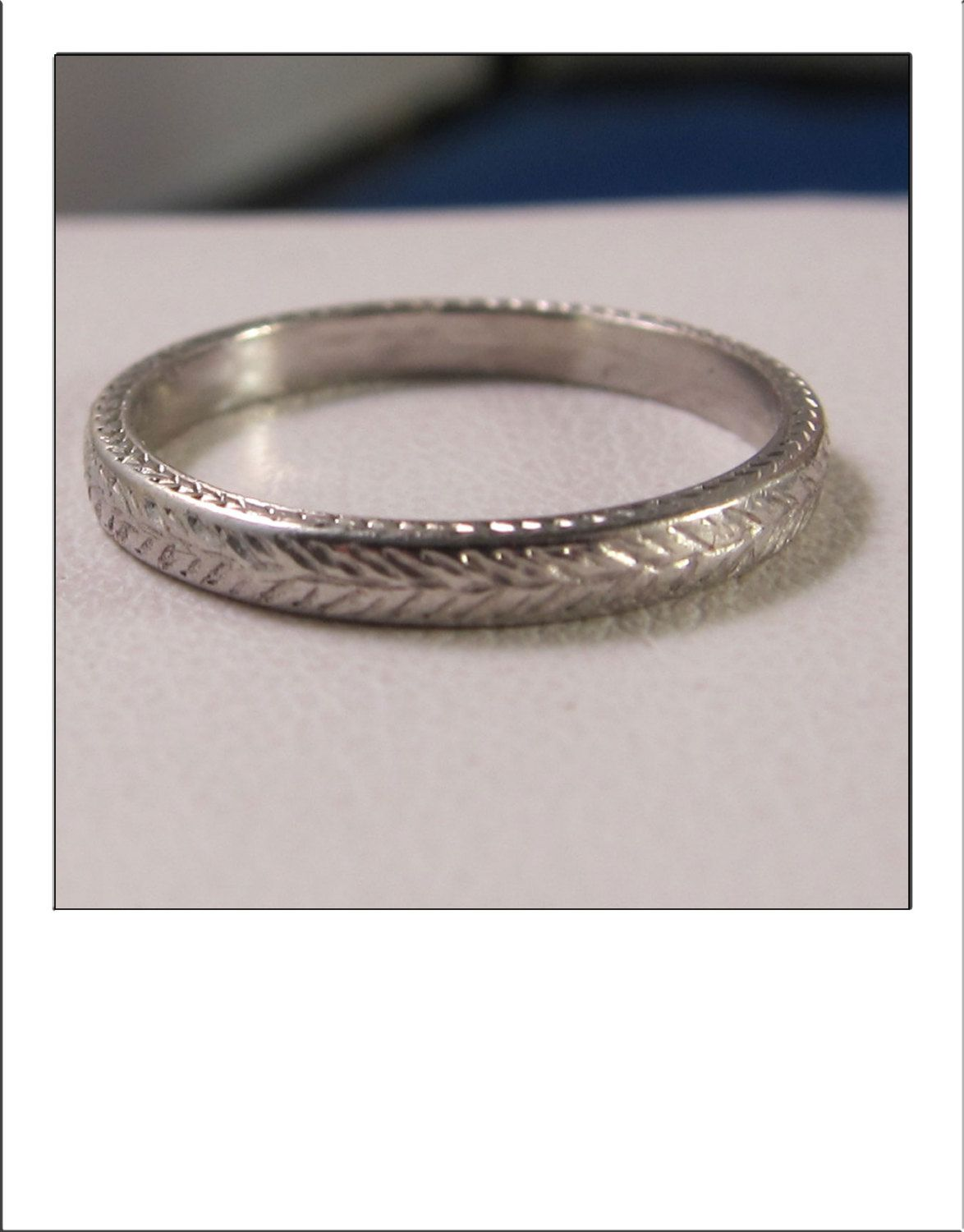 Perfection Antique Platinum Art Deco Finely Feather Engraved Wedding Band