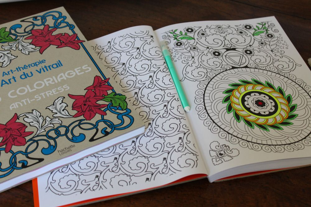 Coloriage art th rapie ed hachette l 39 art du vitrail - Dessin art therapie ...
