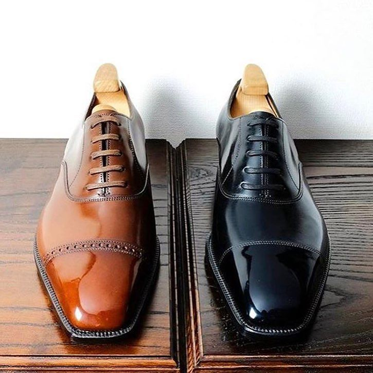 Brown or Black? Comment below on which you prefer ? ---------------------------------------------- Gent's Lounge #classydapper #simplydapper #dapperlydone #dappermen #dapperman #dapperedman #dapperstyle #dappered #dappertime #dapperscene #dappergent #dapperedmen #dapperlife #dapperdude #dappergents #menswears #menswearhouse #menswearblogger #beautifulmenswear #menswearblog #dapperfashion #staydapper #dapperculture #dappergentleman #gentlemanstyle #alexandercaineuk#italiandesign#rayyoun...